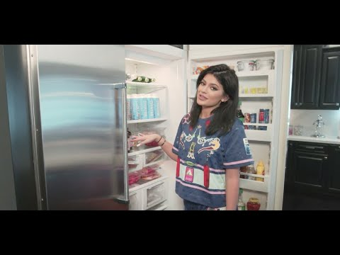 [FULL VIDEO] Kylie Jenner | Tour My Kitchen + What's Inside My Fridge + Living Room [2015]