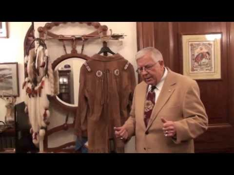 Enzi gives tour of his D.C. office