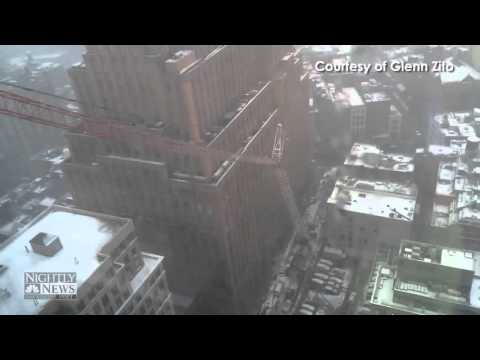 Chilling moments when a Crane collapses in Manhattan NYC