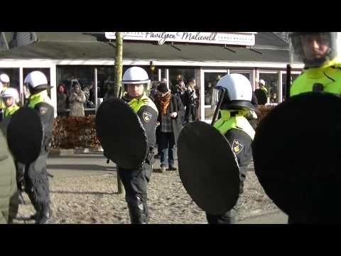 Police agression in The Hague, Netherlands