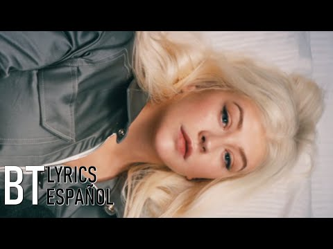 Christina Aguilera - Fall In Line ft. Demi Lovato (Lyrics + Español) Video Official