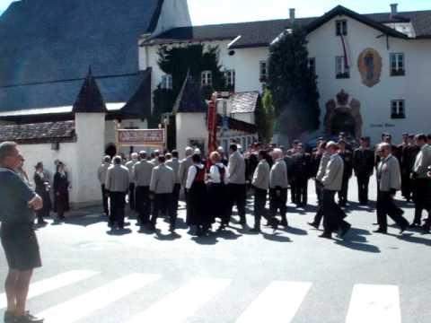 Maria Himmelfahrt Prozession - Fügen im Zillertal - Musikkapelle - Dorfplatz- Hotel Post Fügen