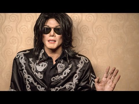 'Michael Jackson: Searching for Neverland' Trailer: Get a First Look at Lifetime's King of Pop Bi…