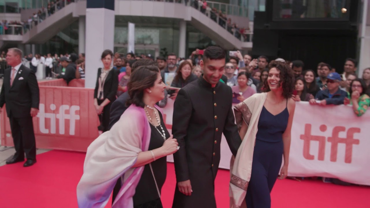 Download THE SKY IS PINK: NIREN CHAUDHARY & ADTI CHAUDHARY & ISHAAN CHAUDHARY RED CARPET ARRIVALS TIFF 2019