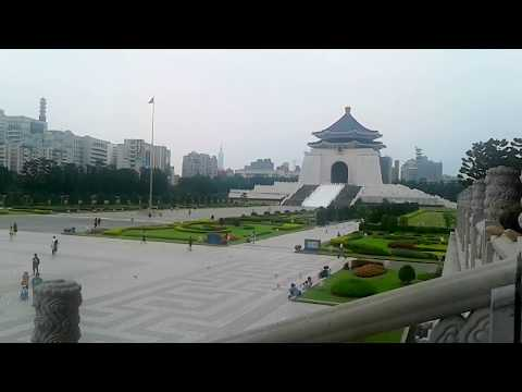 One of the Tourist Attractions in Taipei which is the Chiang Kai-shek Memorial Hall