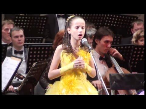 'Аве Мария' Весь зал плакал. Вика 11 лет - Лучшие видео поздравления в ютубе (в высоком качестве)!
