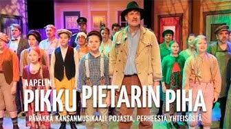 Pikku Pietarin piha - räväkkä kansanmusikaali pojasta, perheestä ja yhteisöstä
