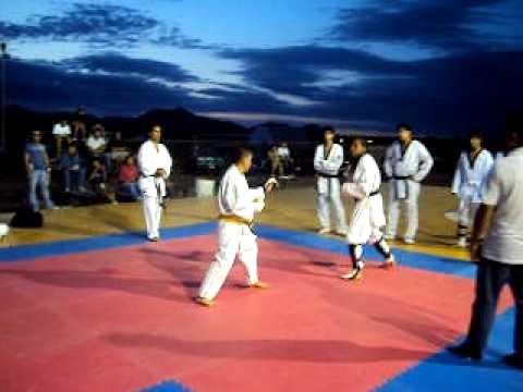 Karate-DO vs taekwondo.- kumite en equipo (1/5) - YouTube
