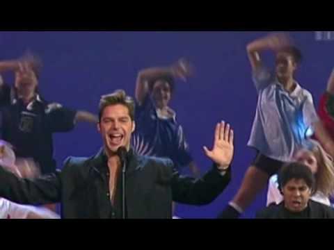 Ricky Martin - La Copa De La Vida 1998 - YouTube