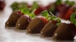 Valentine's Day Recipes - How To Make Chocolate Glaze