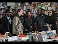 "Capture de la vidéo The Artists From The ""take Me To The River"" Tour: Npr Music Tiny Desk Concert"