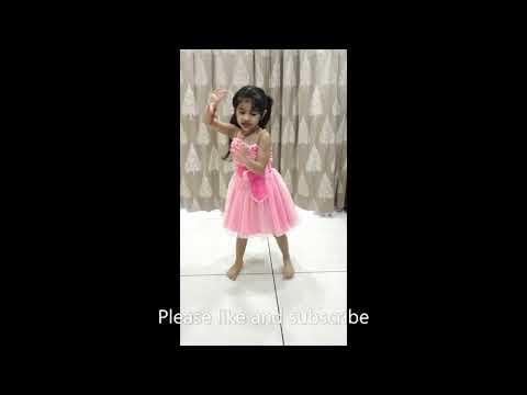 Leja Leja re dance song by cute girl