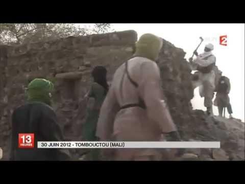 Les salafistes d' Ansar Dine détruisent la cité des 333 saints à TOUMBOUCTOU au Mali