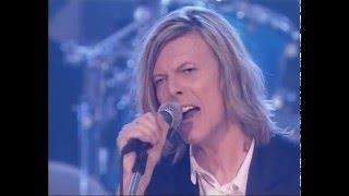 David Bowie – Fame (Live BBC Radio Theatre 2000)
