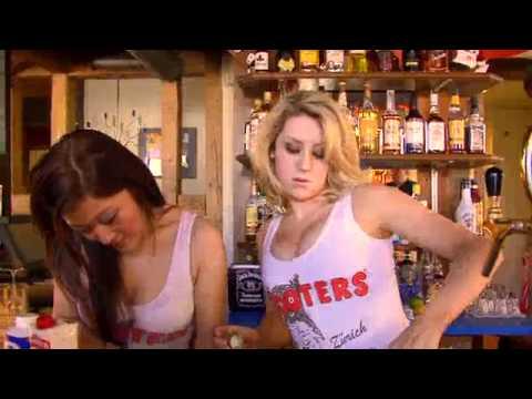 бар hooters фото
