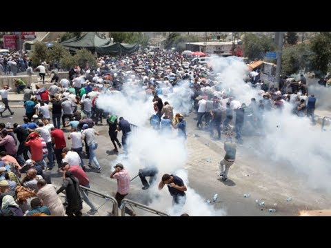 Israeli police clash with Muslims in Jerusalem's Old City