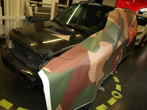 Car Wrapping Subaru Negra a impresion en vinilo Camouflage acabado Mate by Pronto Rotulo since 1993