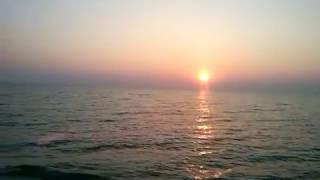 Рассвет на Арабатской стрелке(http://travel-family.org/na-more/228-o-nashem-opyte-kempinga-na-arabatskoj-strelke-vozle-goryachego-istochnika.html - здесь о нашем отдыхе на ..., 2013-08-13T11:20:20.000Z)