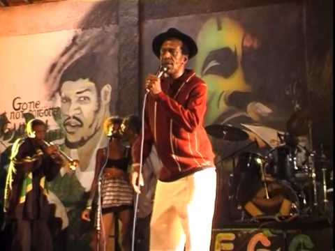 Gregory Isaacs   Rumours Live