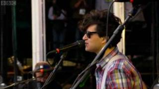 Vampire Weekend - Mansard Roof (Live at Reading)