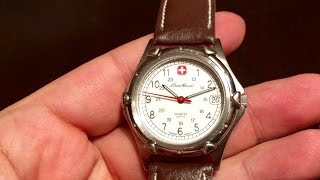 Why I own a tiny Eddie Bauer Wenger Swiss Army Watch (70109)
