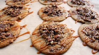 Pecan Pie Cookies With Caramel Drizzle