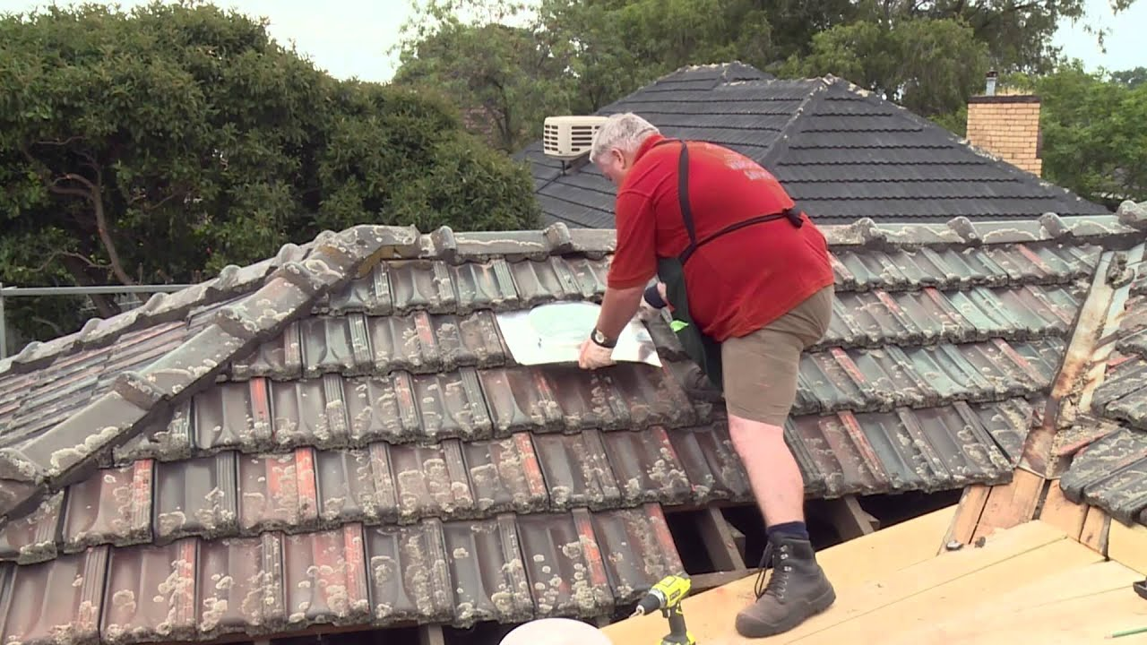 How To Install A Skylight Diy At Bunnings Youtube