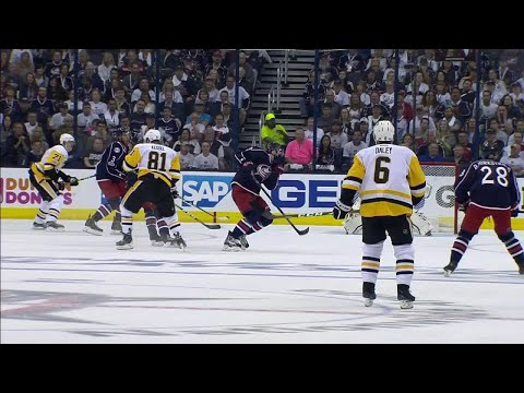 Werenski gets puck to face, Rust scores second of the night