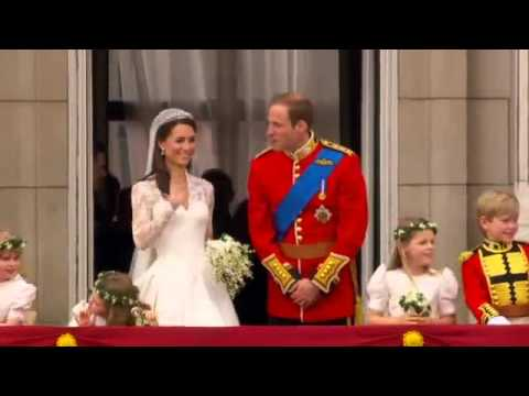 Prince William And Princess Kate Balcony Kiss And Wave Hd
