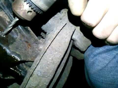 Как поменят тяги стабилизатора в Mercedes Benz E220 (Part 2)
