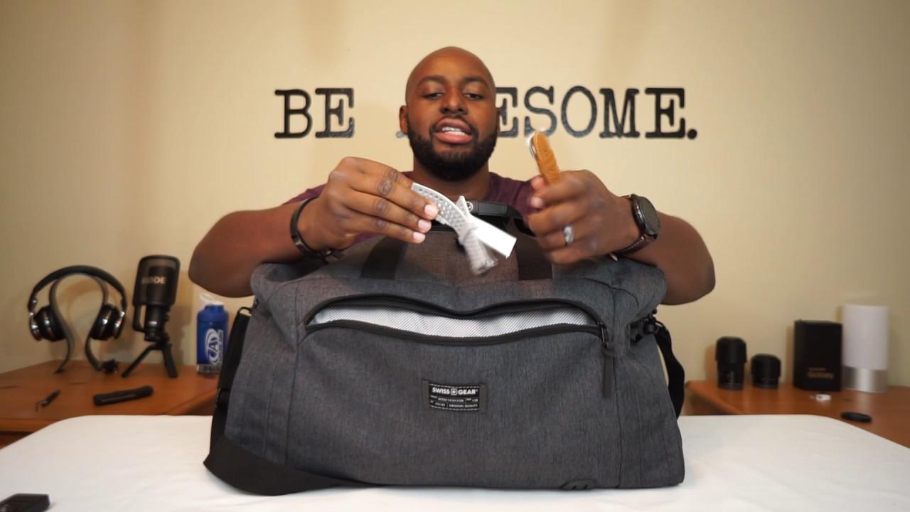 A Gentleman s Duffle Bag  Swiss Gear Getaway 21