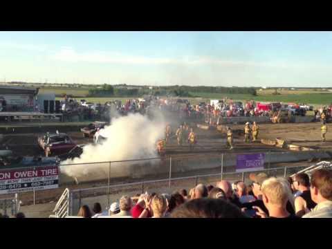 2013-mclean-county-fair-demo-derby