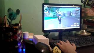 Playing roblox with OscarXD933