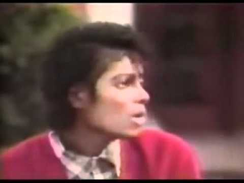 Michael Jackson Singing During An Interview ♥  **RARE**