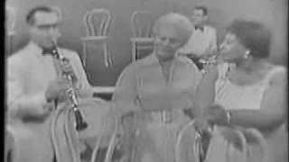 Peggy Lee, Benny Goodman & Ella Fitzgerald - The glory of love