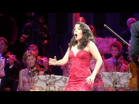 Habanera sung by Carmen Monarcha.