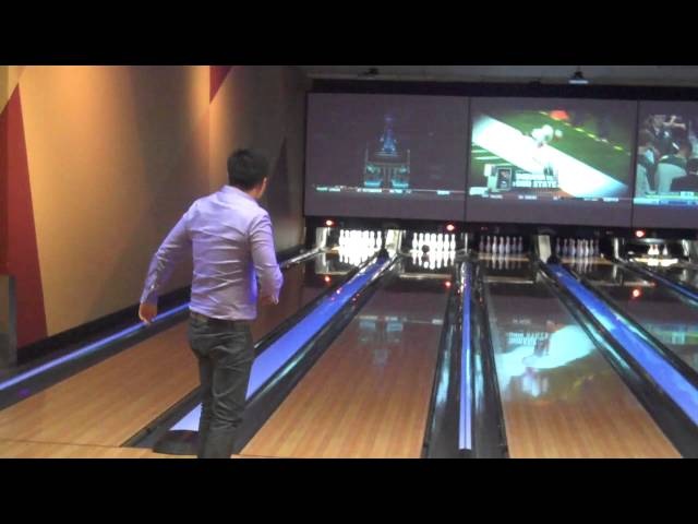 Dallas Plastic Surgery Team -- Lam Facial Plastics -- Has Fun with Bowling & Laser Tag