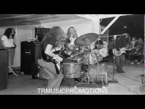 """""""Trust"""" Lynyrd Skynyrd (original studio)"""