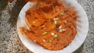 Gajar Ka Halwa (Carrot Pudding)  Homemade Recipe