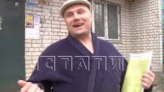 Варварская зарядка - житель сортировки каждое утро с ломом в руках громит чужие автомобили