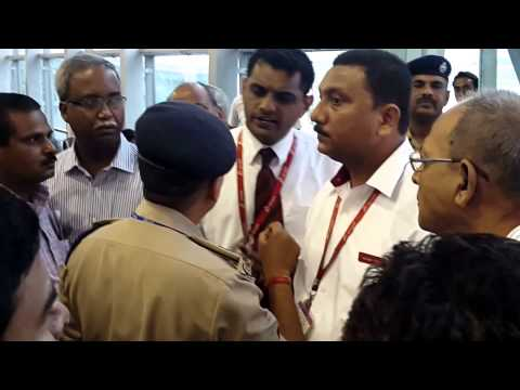 Spicejet flight delay caused spicey clash between passengers