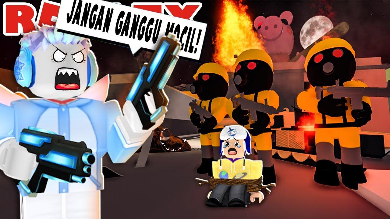 PIGGY TORCHER MENYERANG ADEL DAN MOCIL DI ROBLOX!!