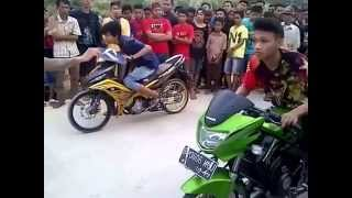 Video Balap Liar Motor Ninja vs Yamaha MX - DRAG RACE INDONESIA (2015) download MP3, 3GP, MP4, WEBM, AVI, FLV Maret 2017