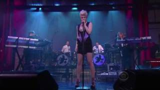 robyn dancing on my own live  late night david letterman