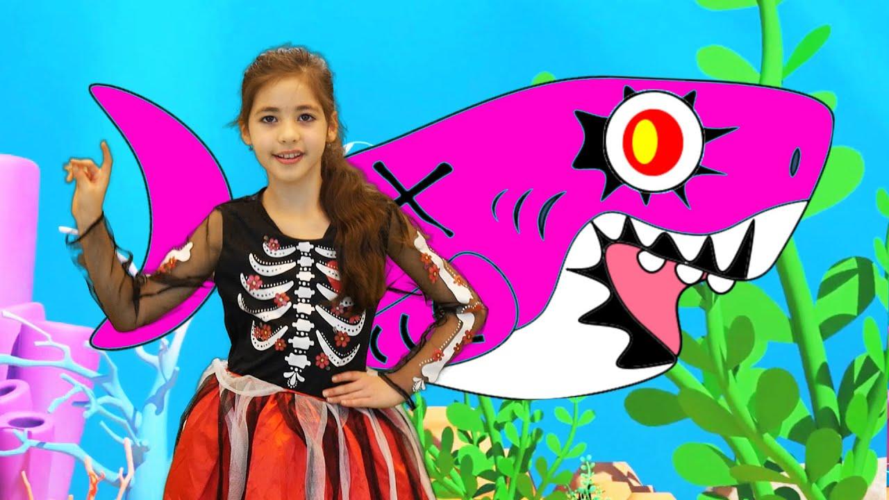Baby Shark Halloween Spanish Version Bebé Tiburón LETSGOMARTIN Canciones Infantiles