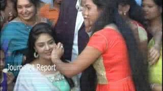 Anchor Srimukhi at Beauty Parlor || Srimukhi Make Up Room Exclusive Video