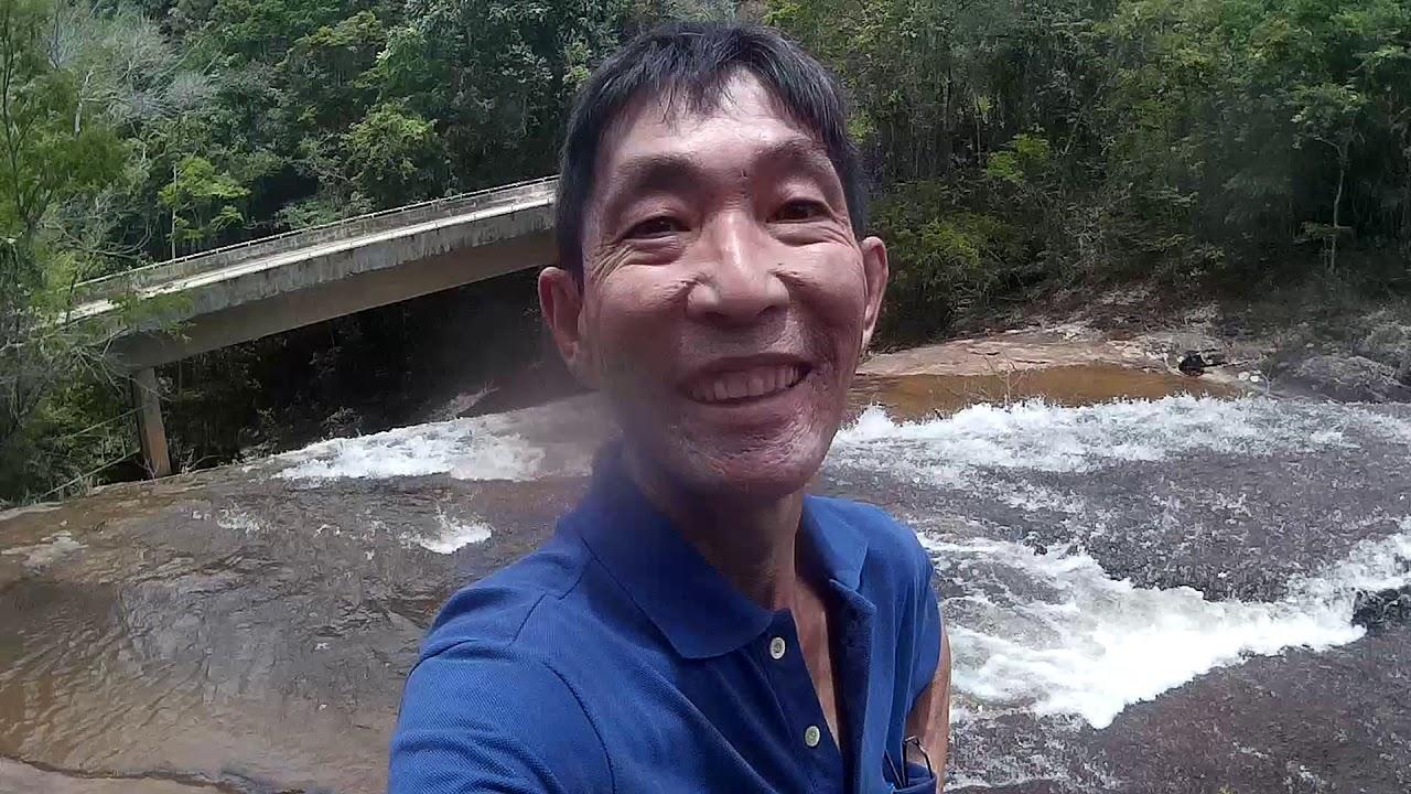 Linda cachoeira na beira da estrada entre Passa Vinte X Bom Jardim de Minas  MG #74