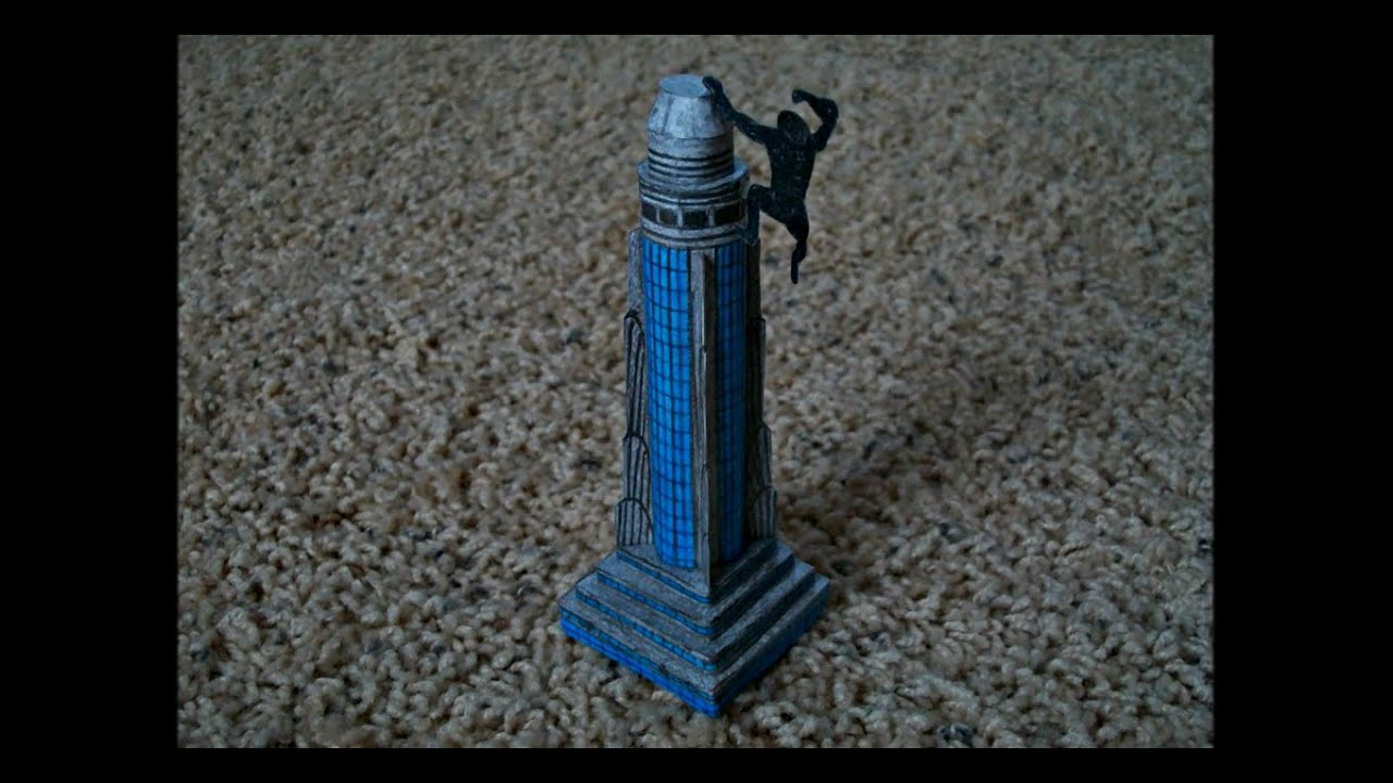 Papercraft Paper Model of King Kong Climbing the Empire State Building