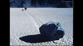 Движущиеся камни в Долине Смерти(Все загадки человечества на http://new-era.at.ua., 2012-12-13T22:14:21.000Z)