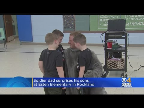 Soldier Surpises Sons At Rockland Elementary School